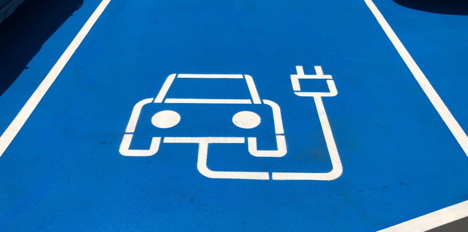 Electric and hybrid cars to no longer get the silent treatment