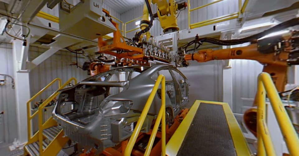 Take a 360-degree Google Maps tour of Chrysler\'s Detroit factory ...