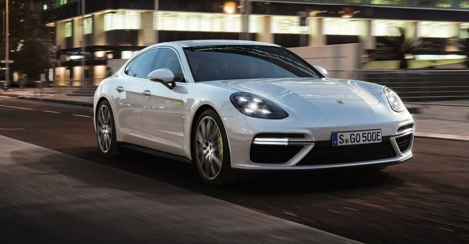 78d3f6a0b20125 Porsche Panamera Turbo S E-Hybrid revealed