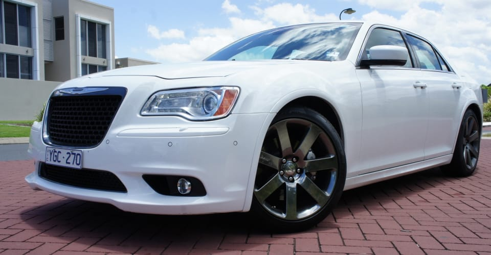 2014 chrysler 300 srt owners manual