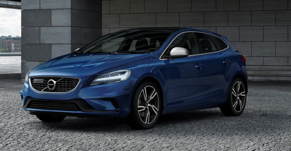 2017 Volvo V40 Cross Country On Sale In Australia Updated Rhcaradviceau: Volvo V40 T4 Momentum Location 3 4 Front At Gmaili.net
