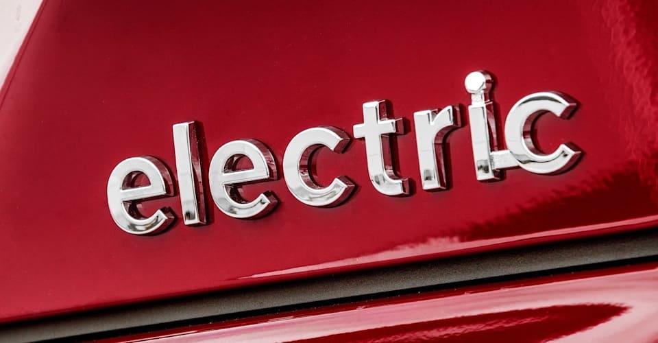 Джереми Кларксон объясняет, почему он не станет покупать электромобиль, и раскрывает свое самое большое автомобильное сожаление |  CarAdvice