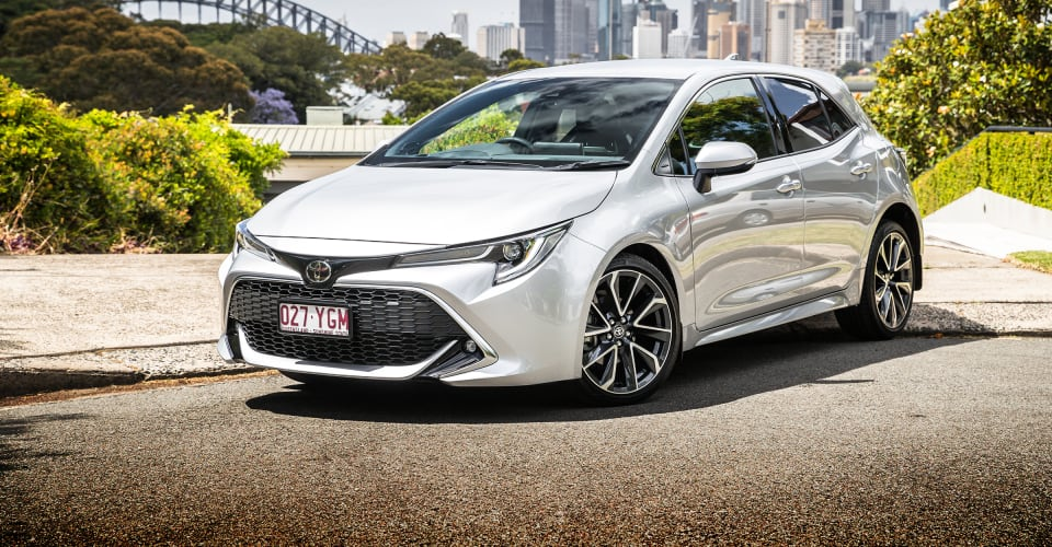 2019 toyota corolla zr petrol review