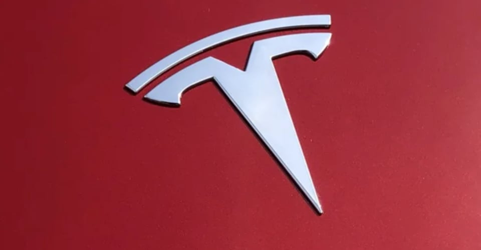 Tesla Texas crash leaves two dead, 'no-one in driver's seat', say police | CarAdvice
