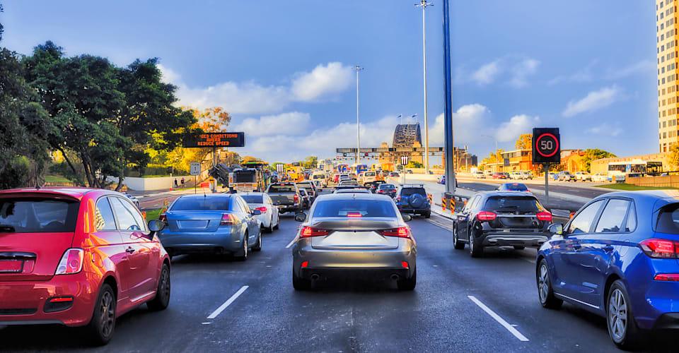 В 2021 году пора австралийским водителям впустить друг друга |  CarAdvice