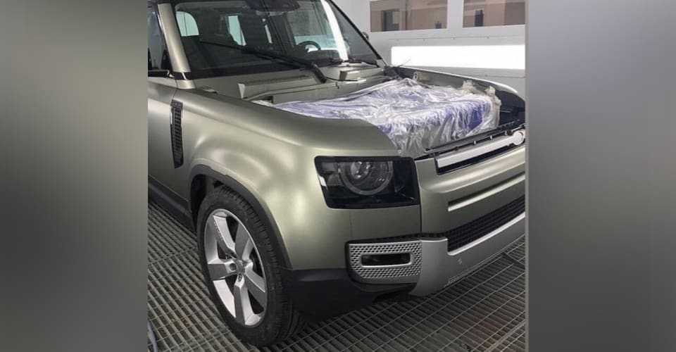 2020 Land Rover Defender front end leaked | CarAdvice