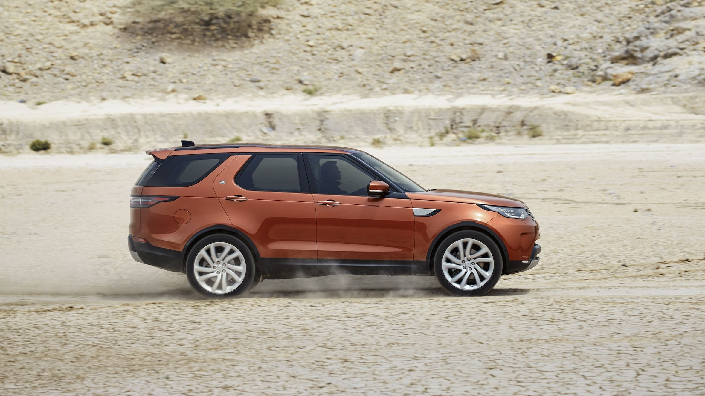 2017 land rover discovery pricing revealed  update