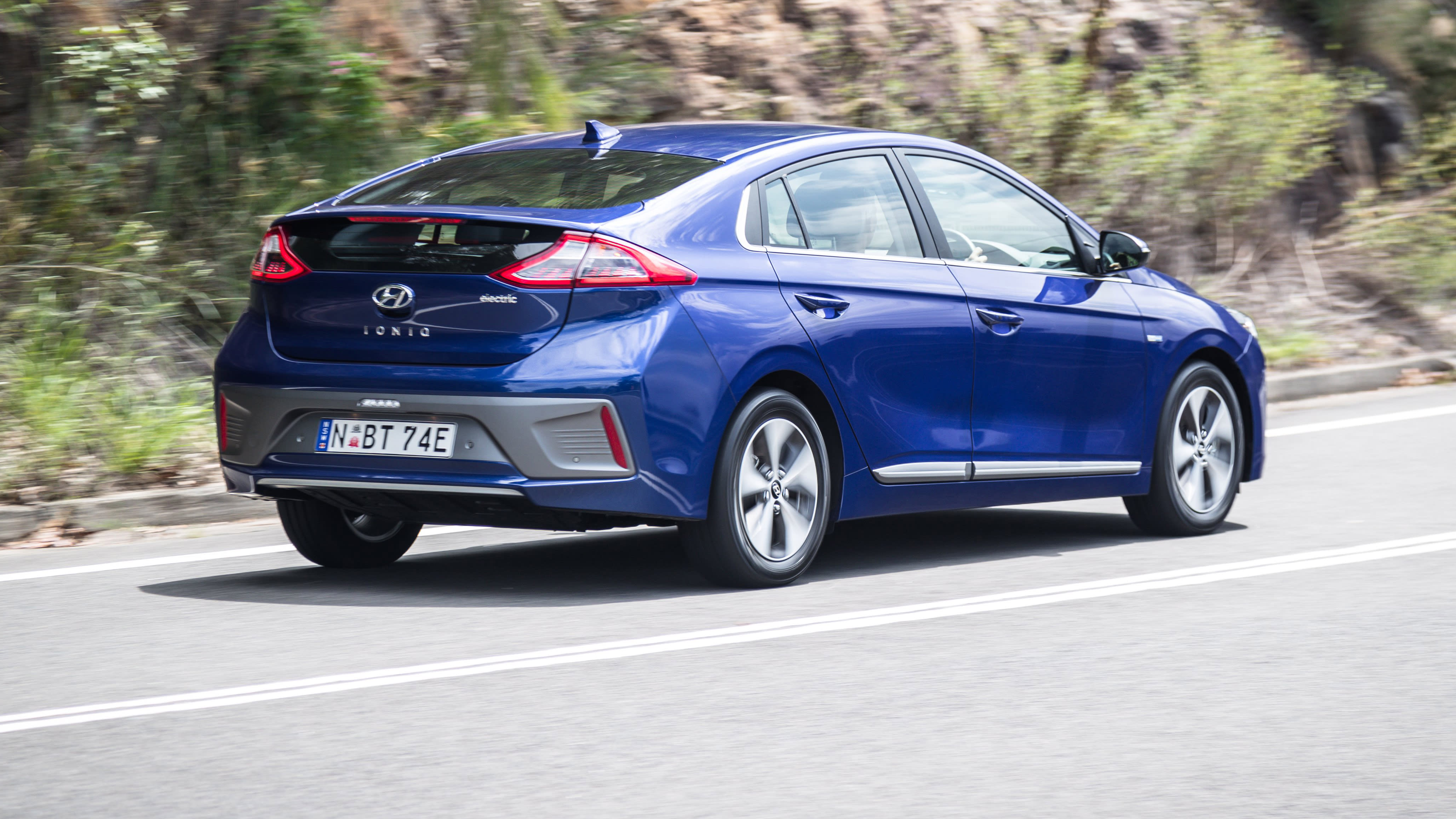 2019 Hyundai Ioniq Electric review | CarAdvice