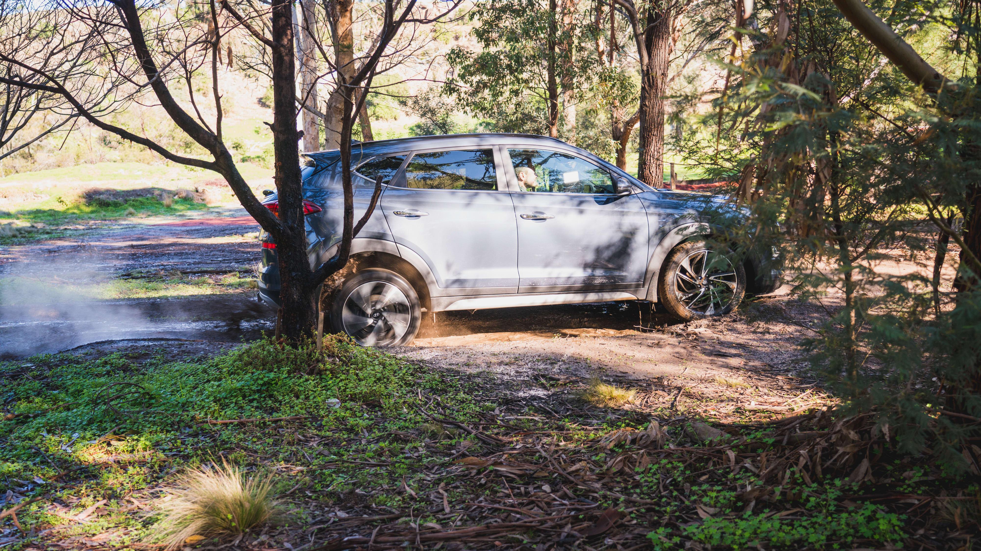 Medium SUV off-road test: Toyota RAV4, Holden Equinox, Mazda CX-5