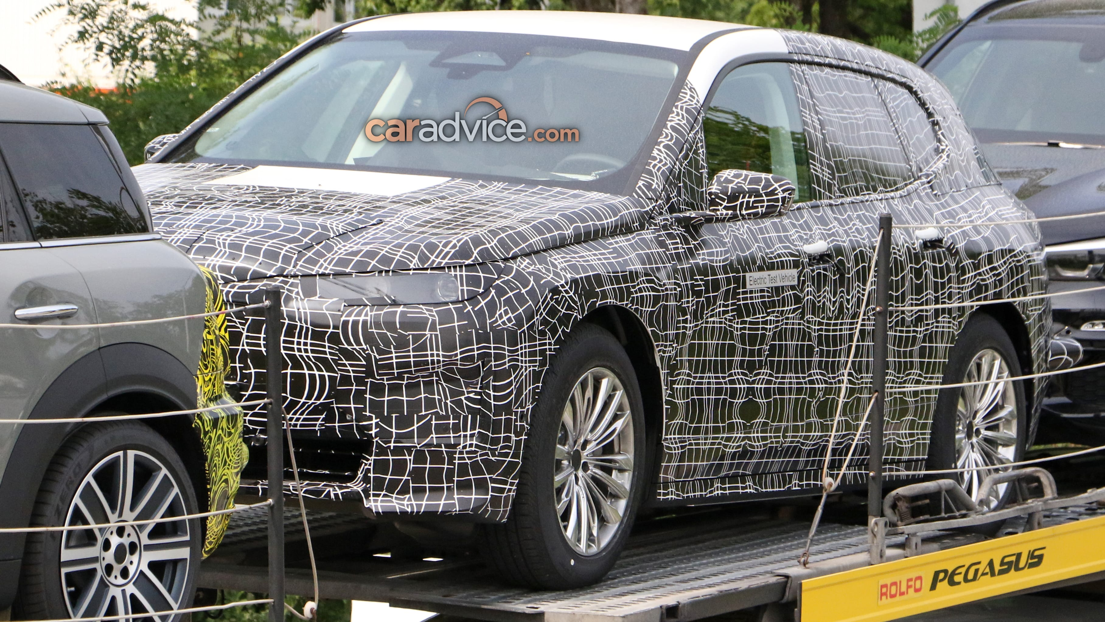 2021 BMW INext Is Fully Autonomous SUV >> 2021 Bmw Inext Suv Spied Caradvice