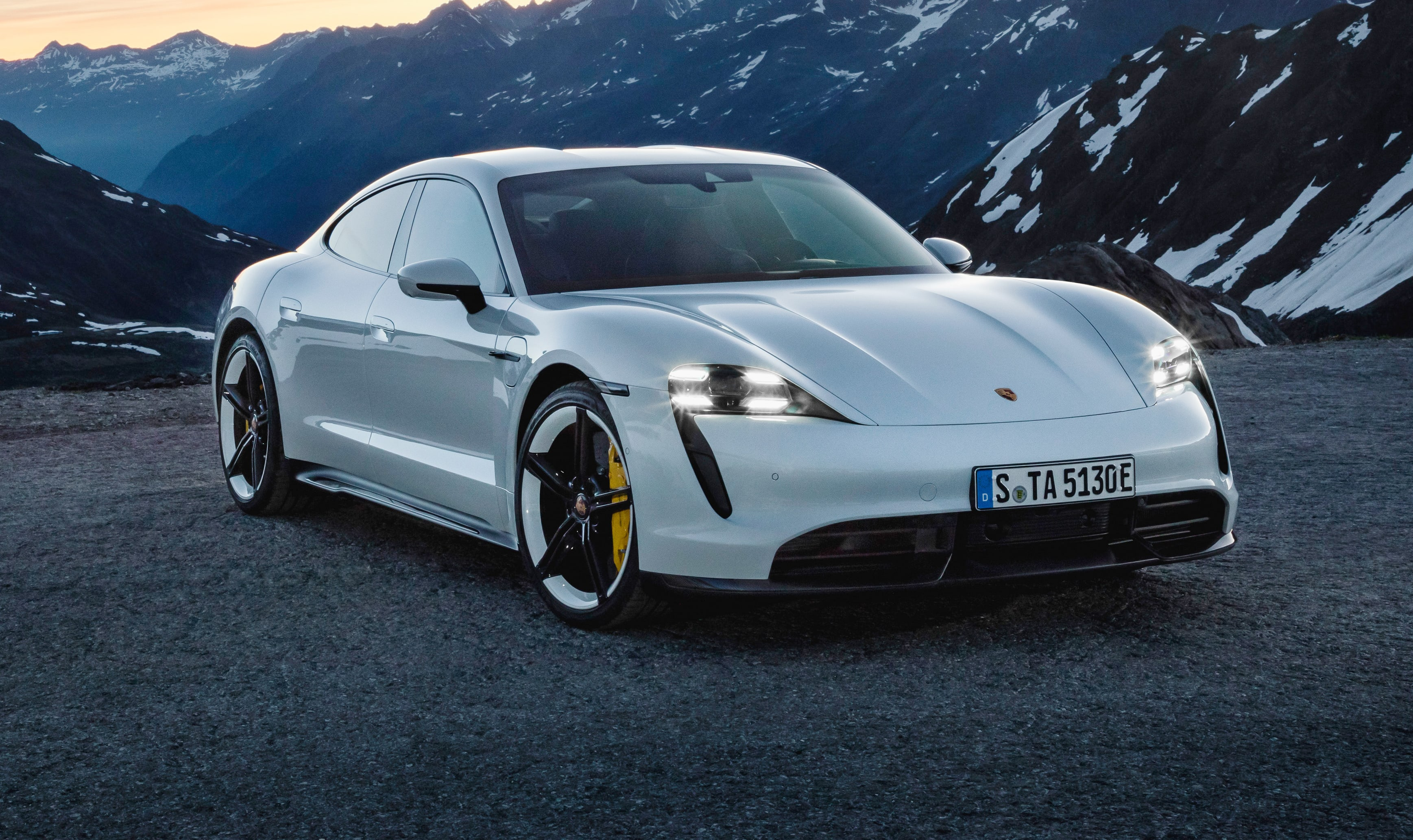 Porsche Taycan Turbo S Equals Bugatti Veyron Beats 911 Turbo S In Performance Test Caradvice