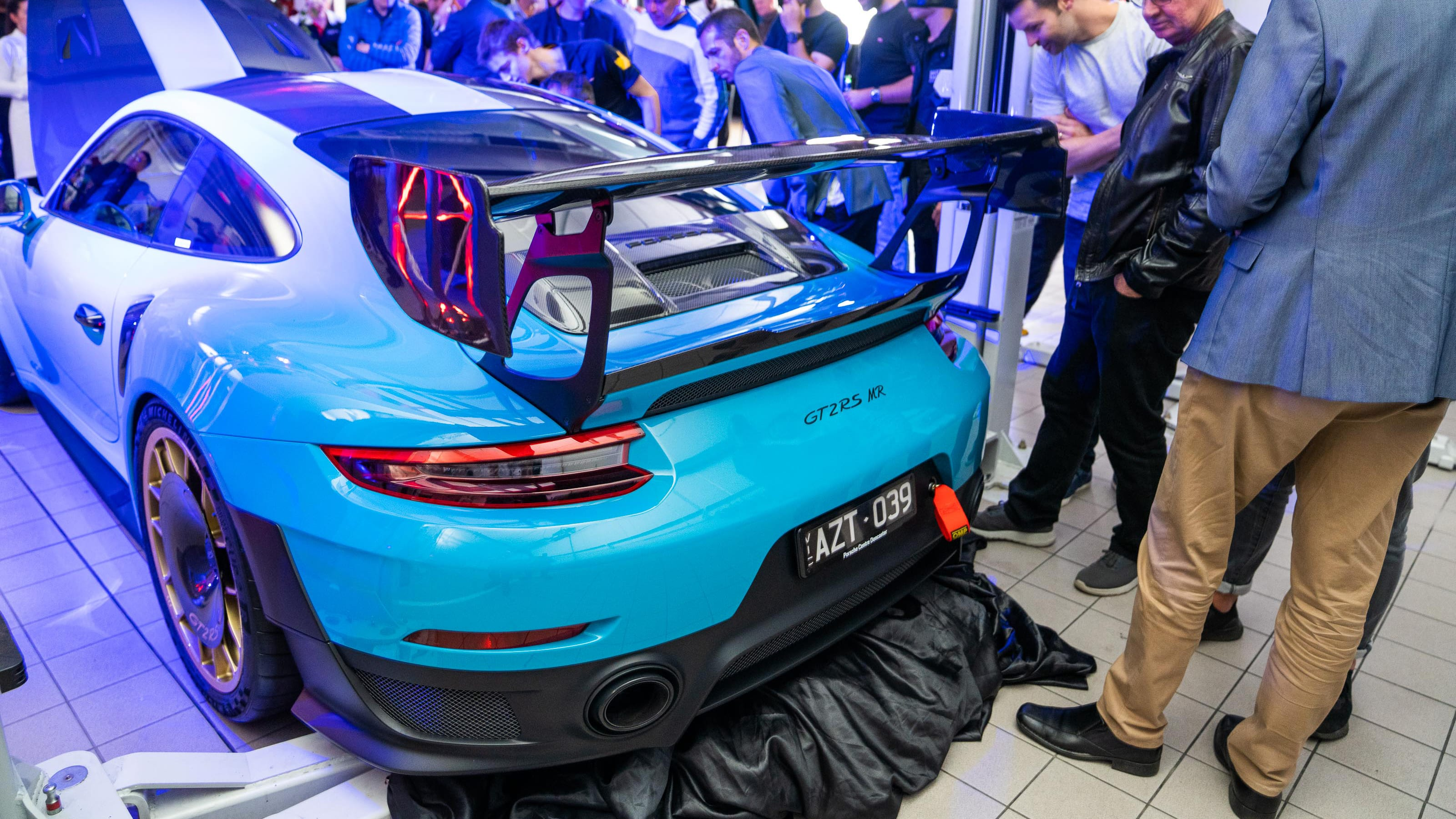 Porsche 911 Gt2 Rs Mr Now Available In Australia Caradvice