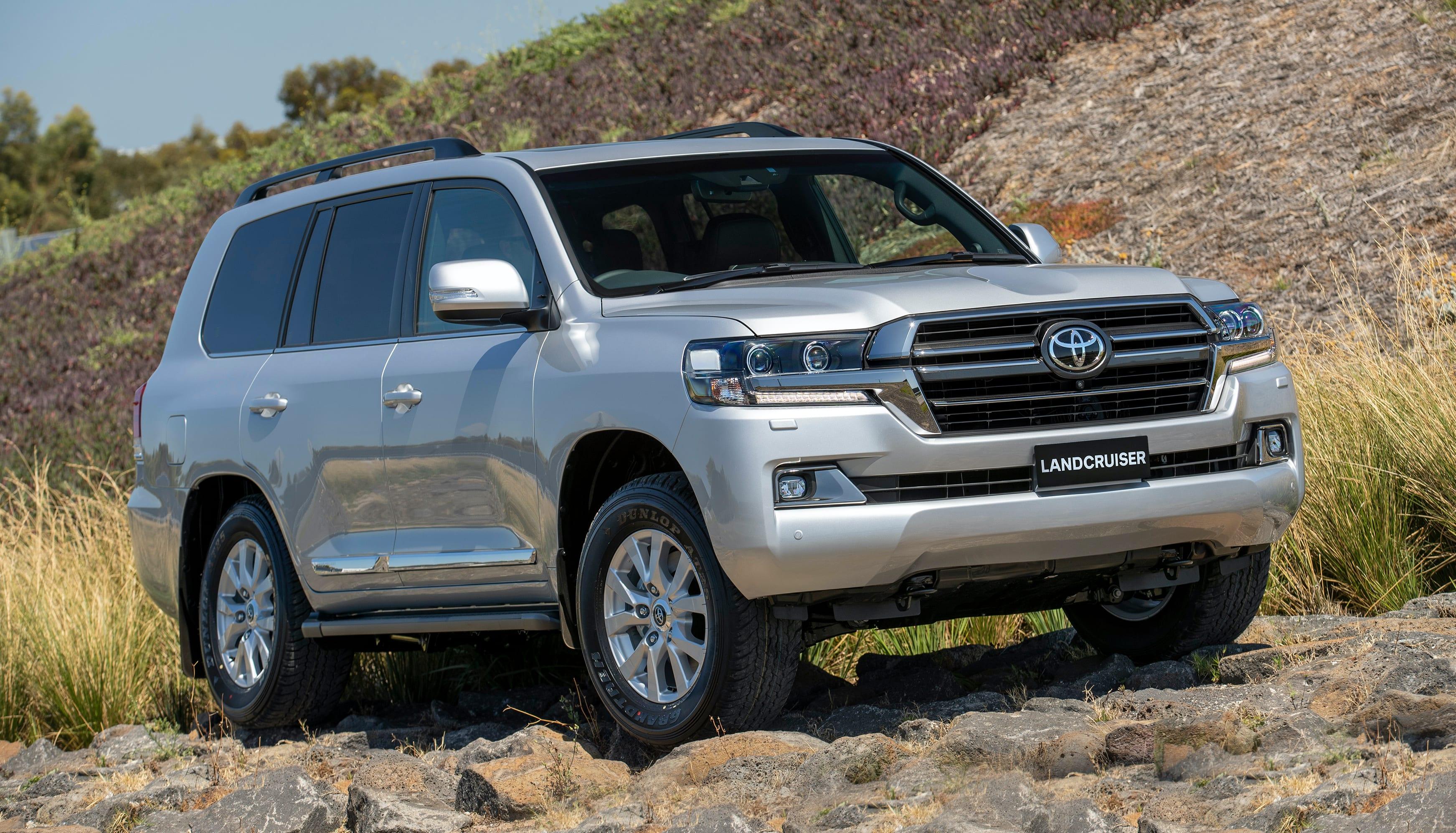 Kelebihan Toyota Lc 200 Top Model Tahun Ini
