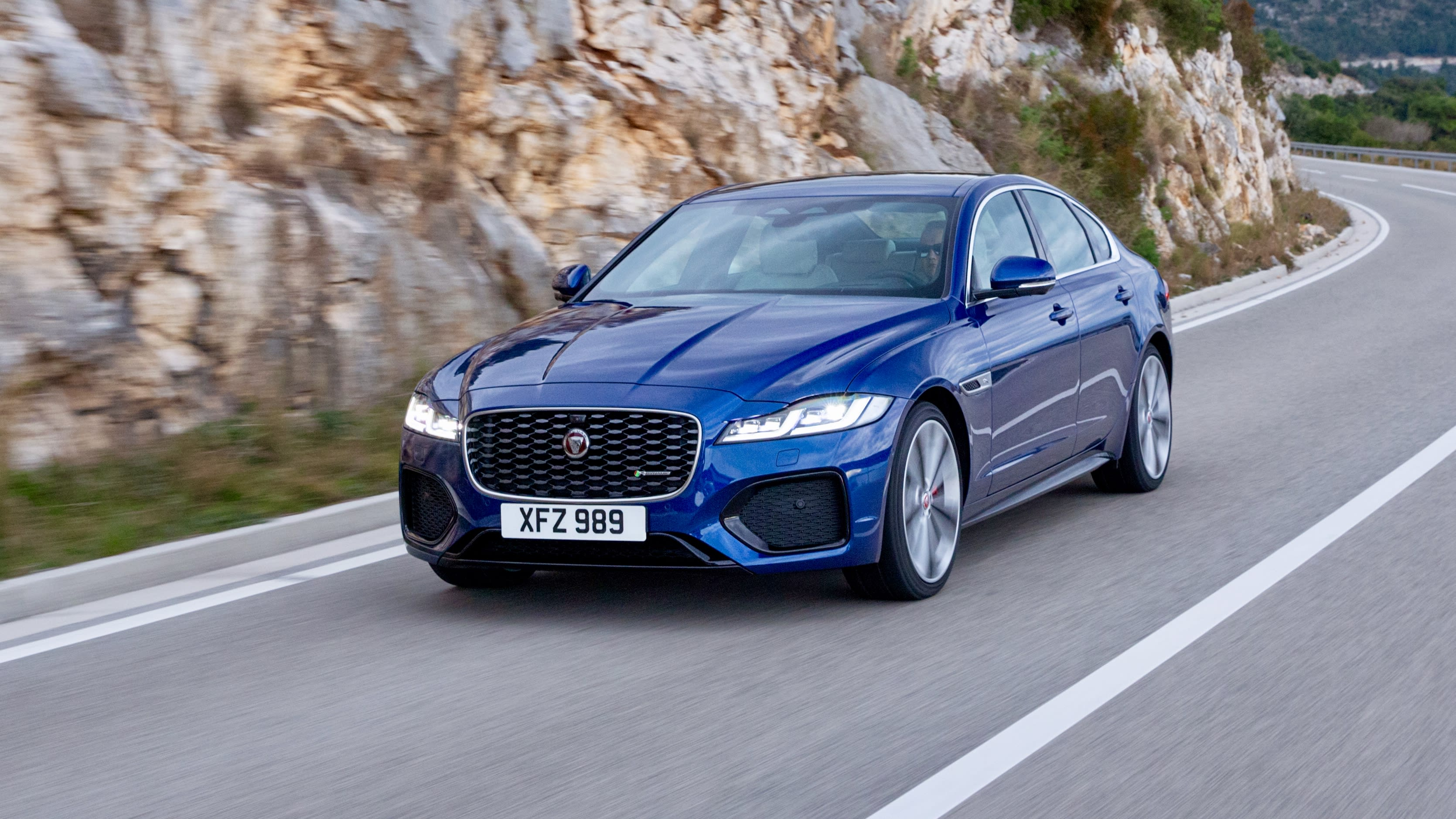 2021 Jaguar Xe V6 Specs and Review