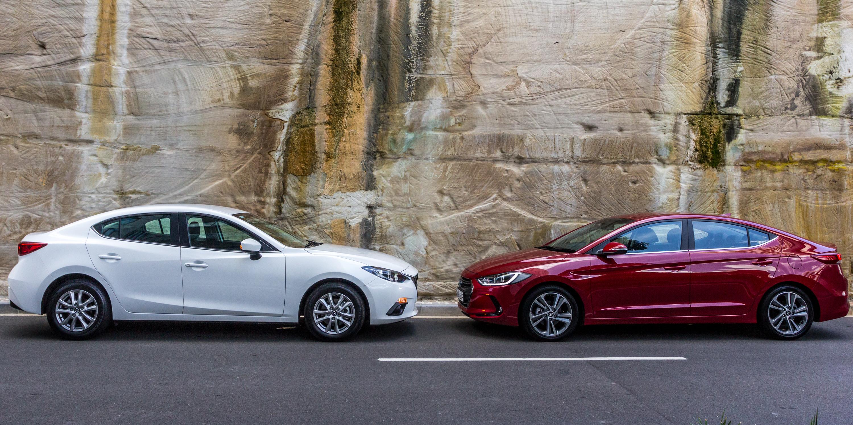 Mazda3 Vs Hyundai Elantra >> Hyundai Elantra V Mazda 3 Small Sedan Comparison Caradvice