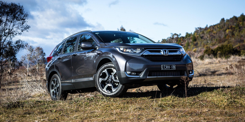 2017 Honda CR-V v Volkswagen Golf Alltrack comparison | CarAdvice