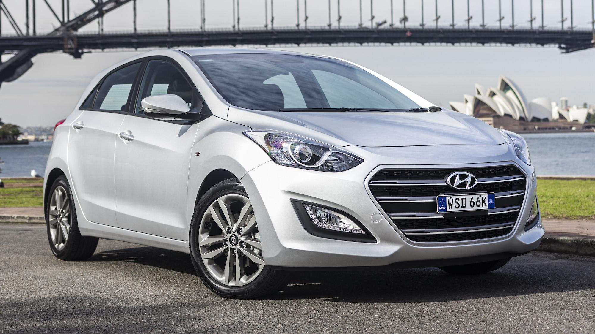 2016 Hyundai i30, Tucson, Santa Fe pick up Apple CarPlay in