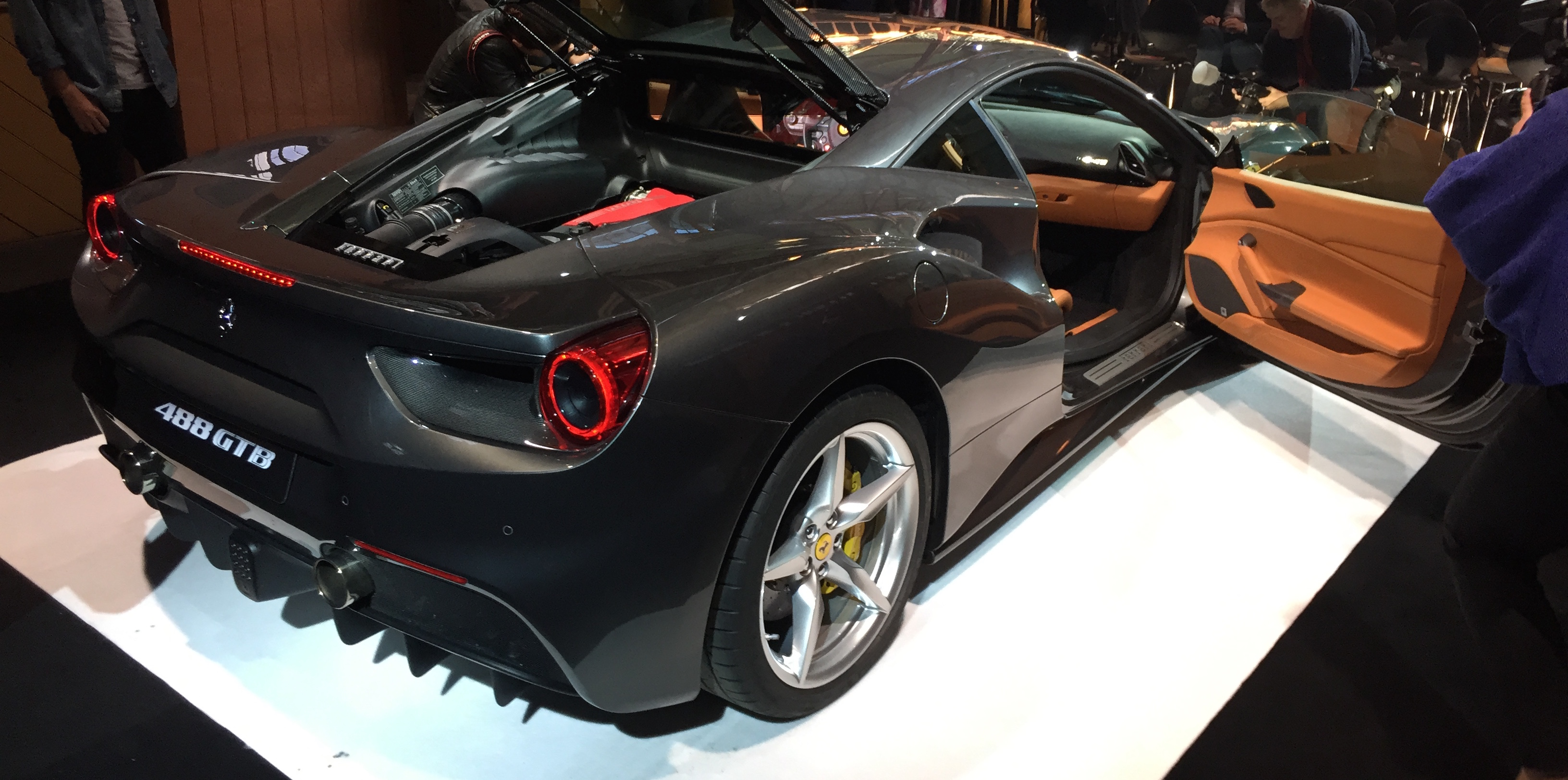Ferrari 488 Gtb Debuts In Australia With Sharper 469 888 Price Tag Caradvice