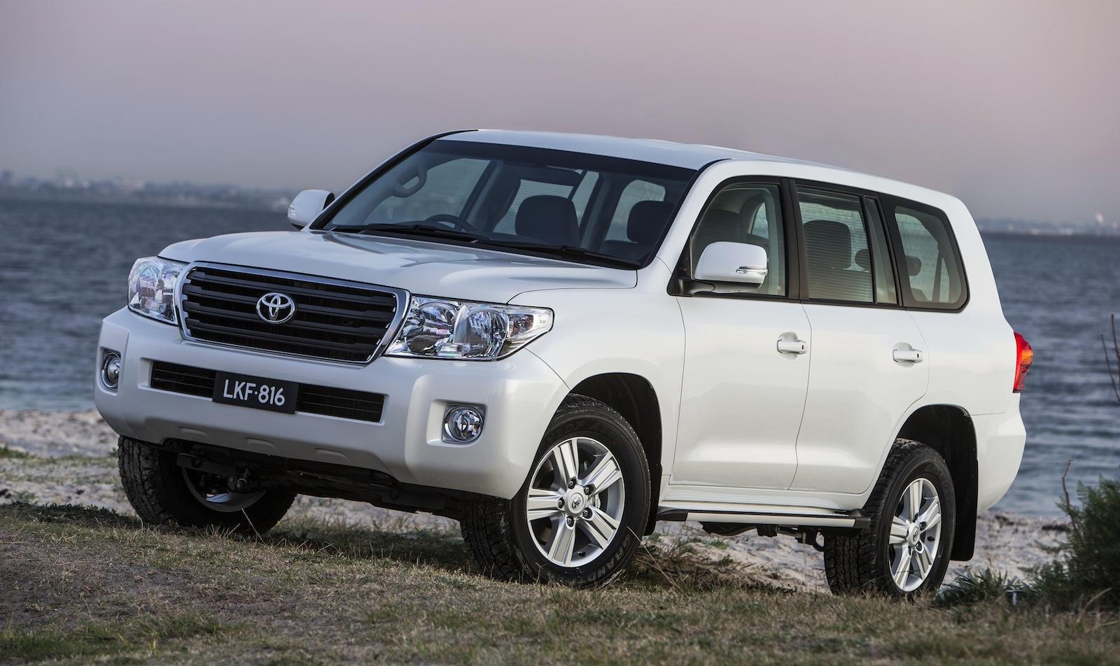 Kelebihan Toyota Land Cruiser 2013 Review