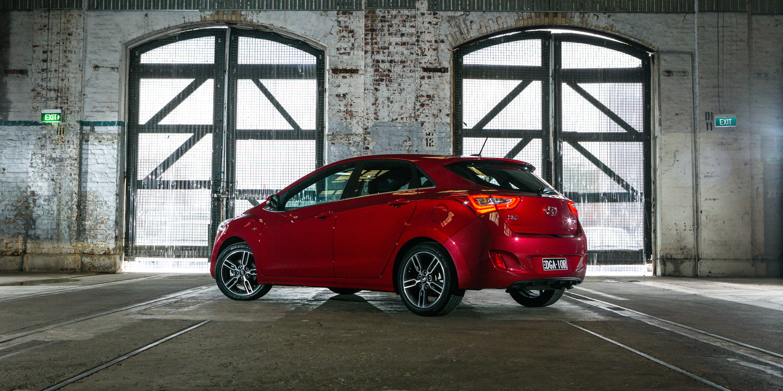 Comparison: Hyundai i30 SR Premium v Mazda 3 SP25 Astina v