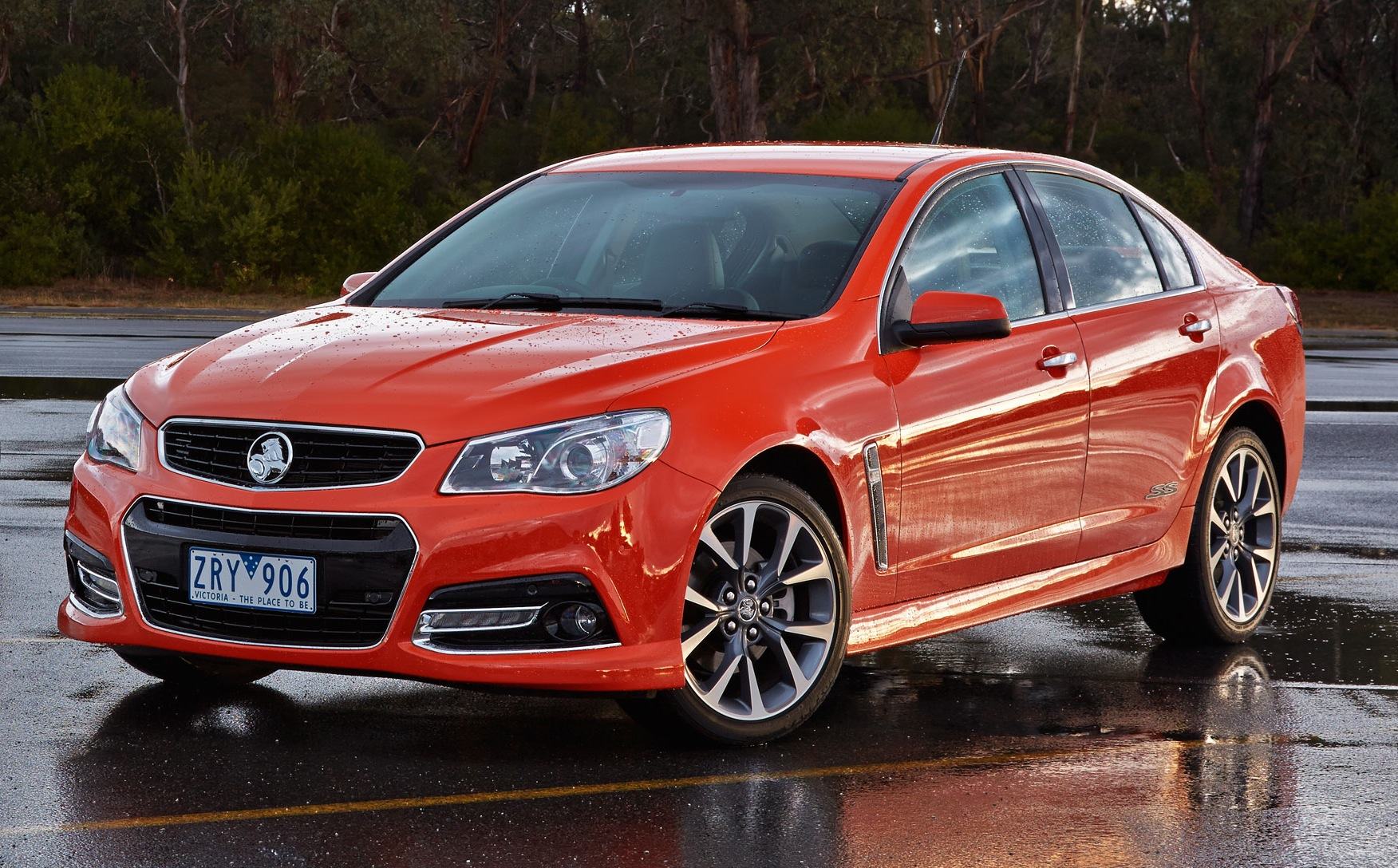 Holden VF Commodore: engines and fuel consumption | CarAdvice