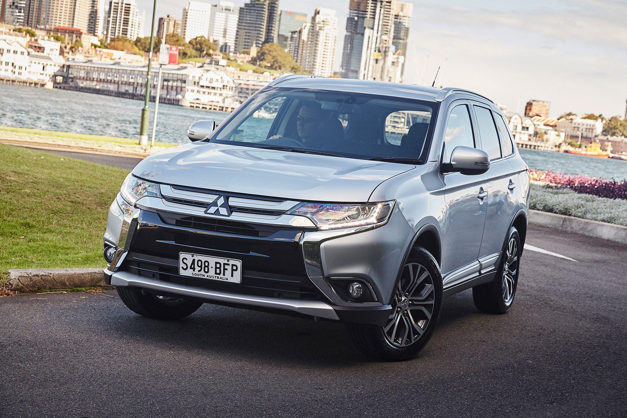 2016 Mitsubishi Outlander Review | CarAdvice