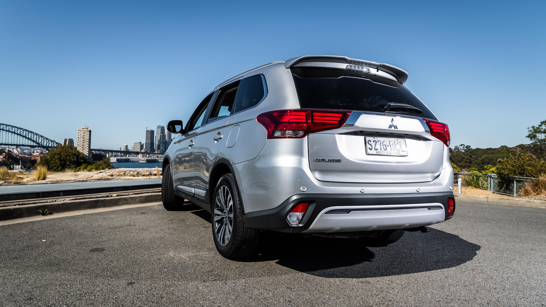 2019 Mitsubishi Outlander LS review | CarAdvice
