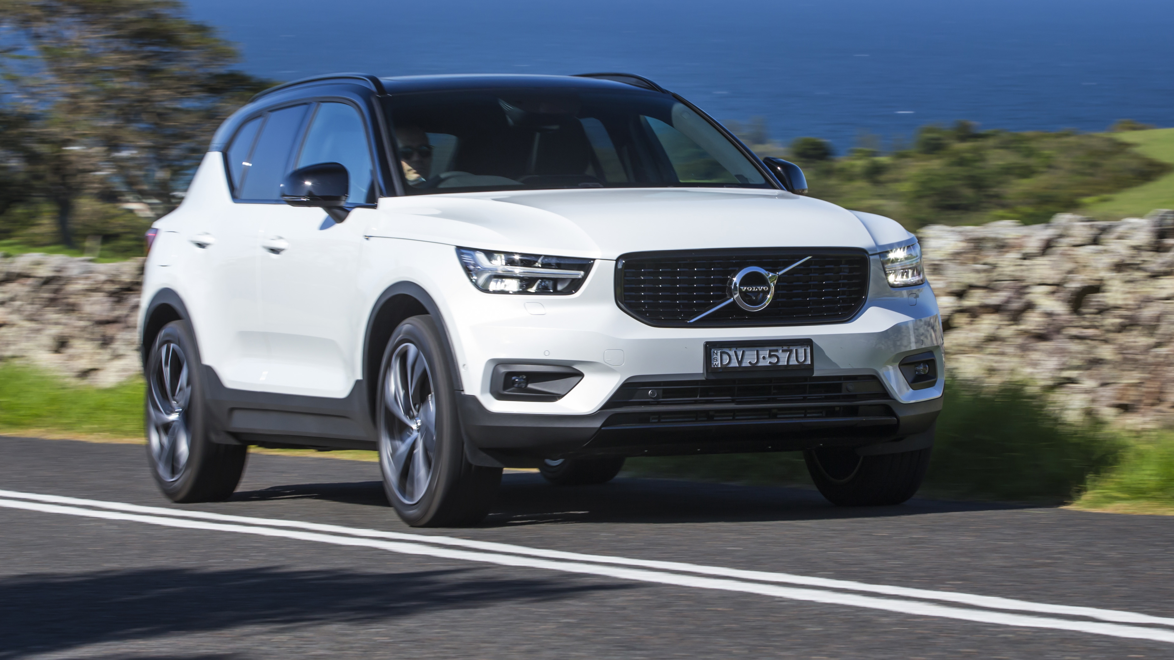 2018 Volvo XC40 T5 R-Design review | CarAdvice