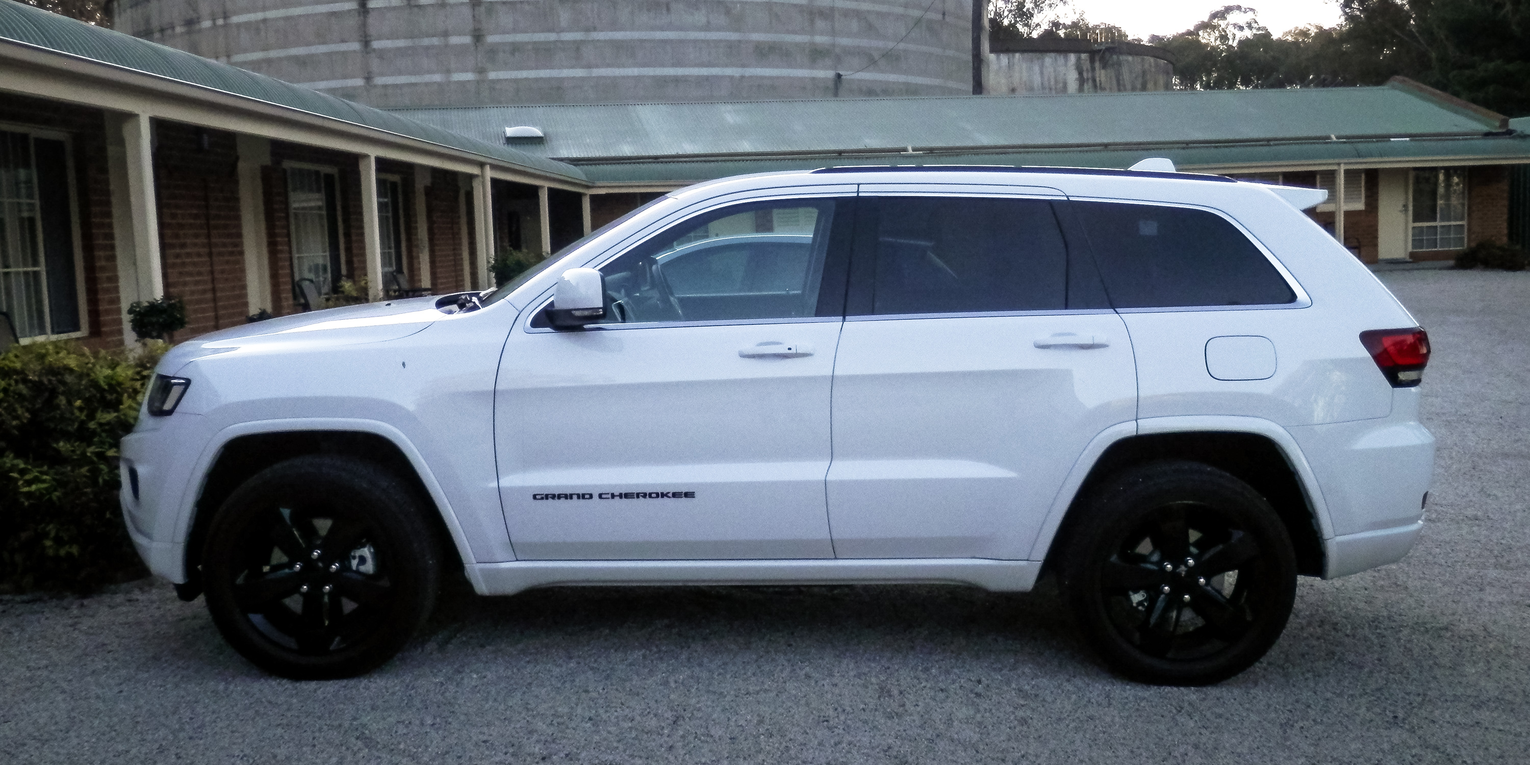 2015 Jeep Grand Cherokee Blackhawk Edition Week With Review Caradvice