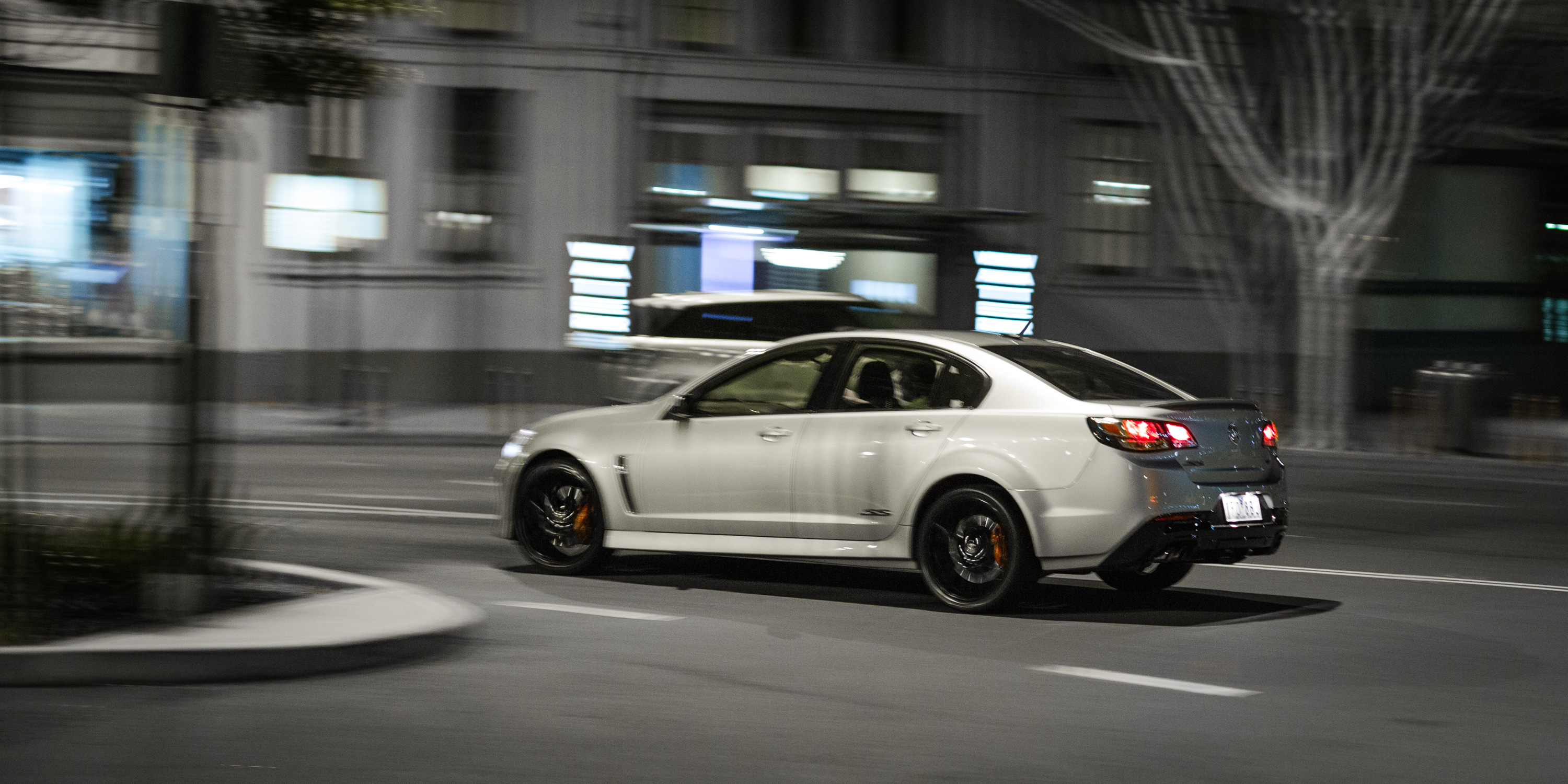 2016 Holden Commodore SS-V Redline review: Driving the city at night