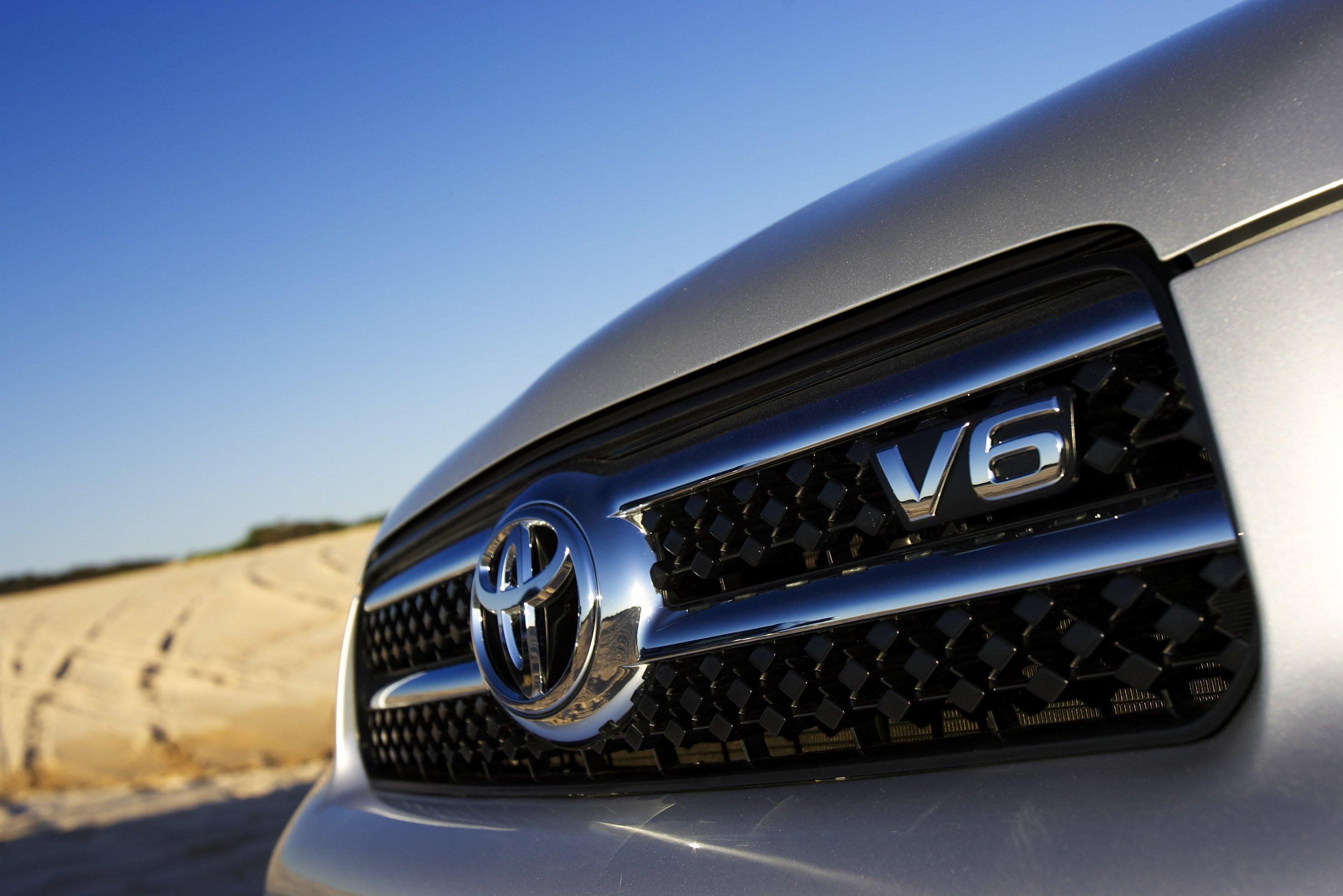 Kelebihan Kekurangan Toyota V6 Harga