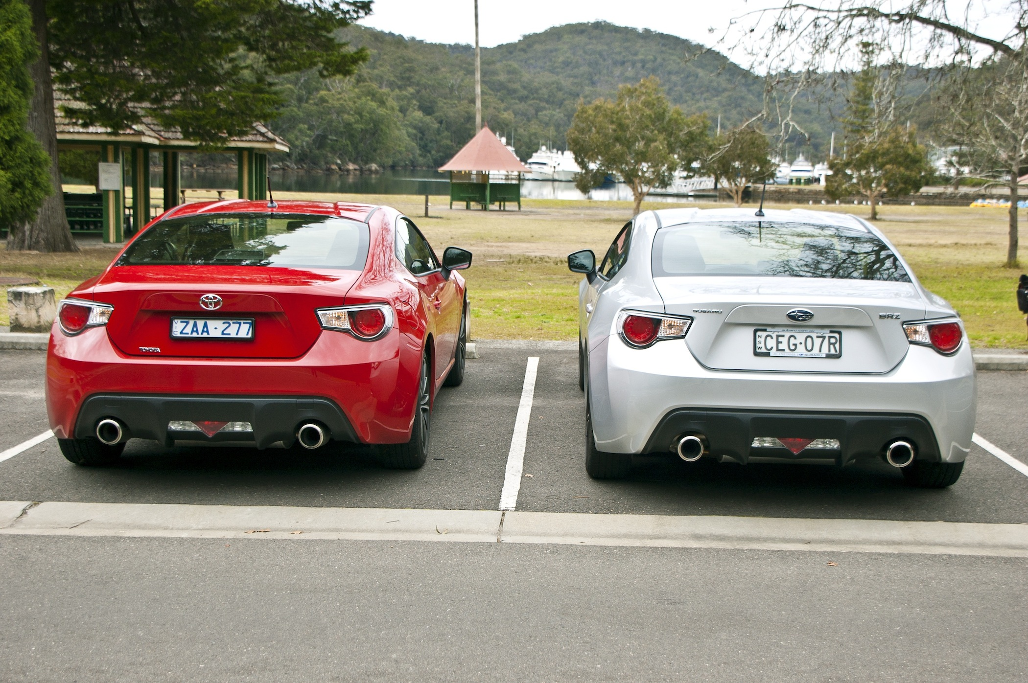 Subaru Brz Vs Toyota 86 >> Toyota 86 Vs Subaru Brz Comparison Review Caradvice