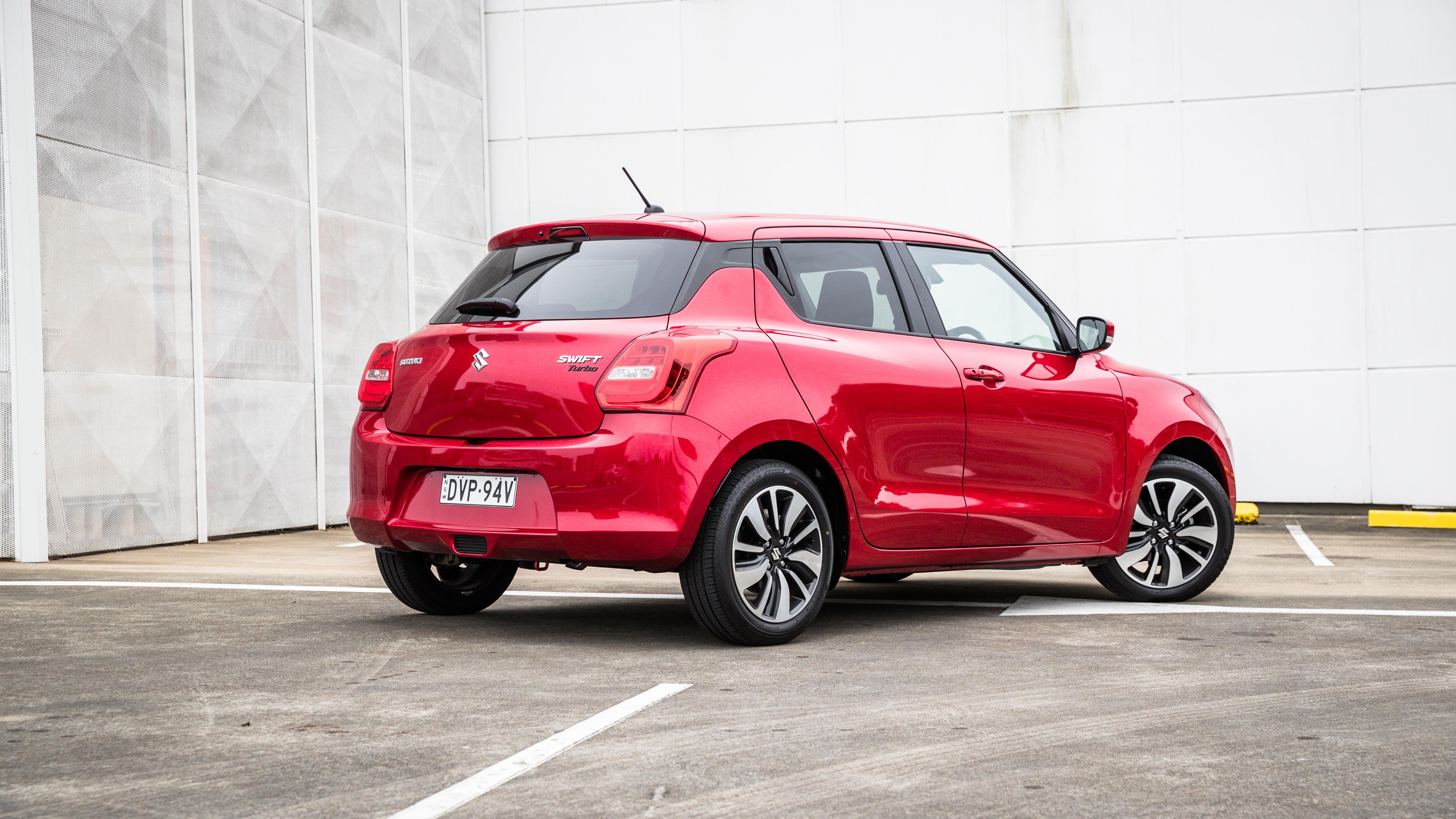 2018 Volkswagen Polo 85TSI Comfortline v Suzuki Swift GLX