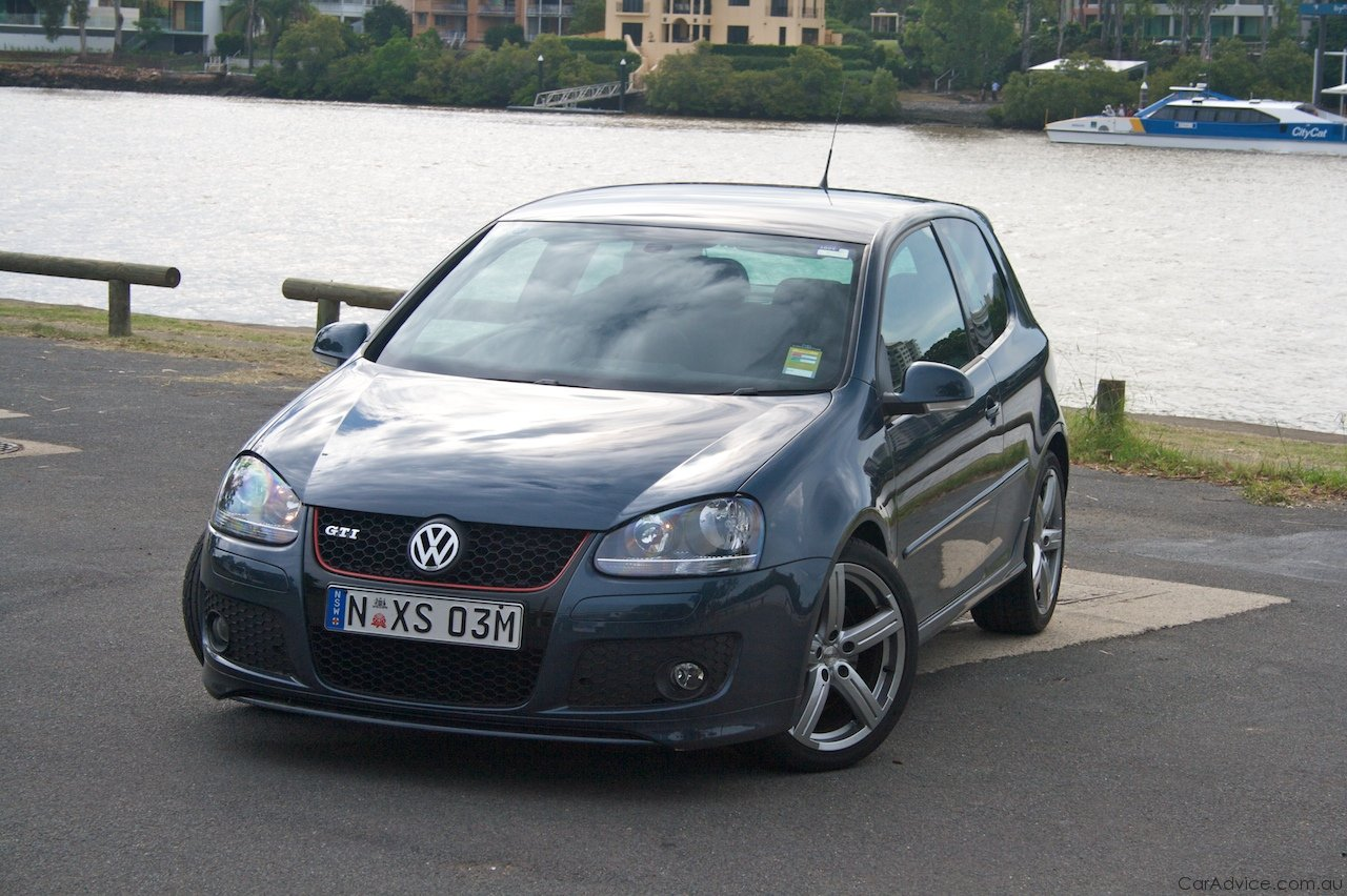 2009 Volkswagen Golf GTI Pirelli Review | CarAdvice