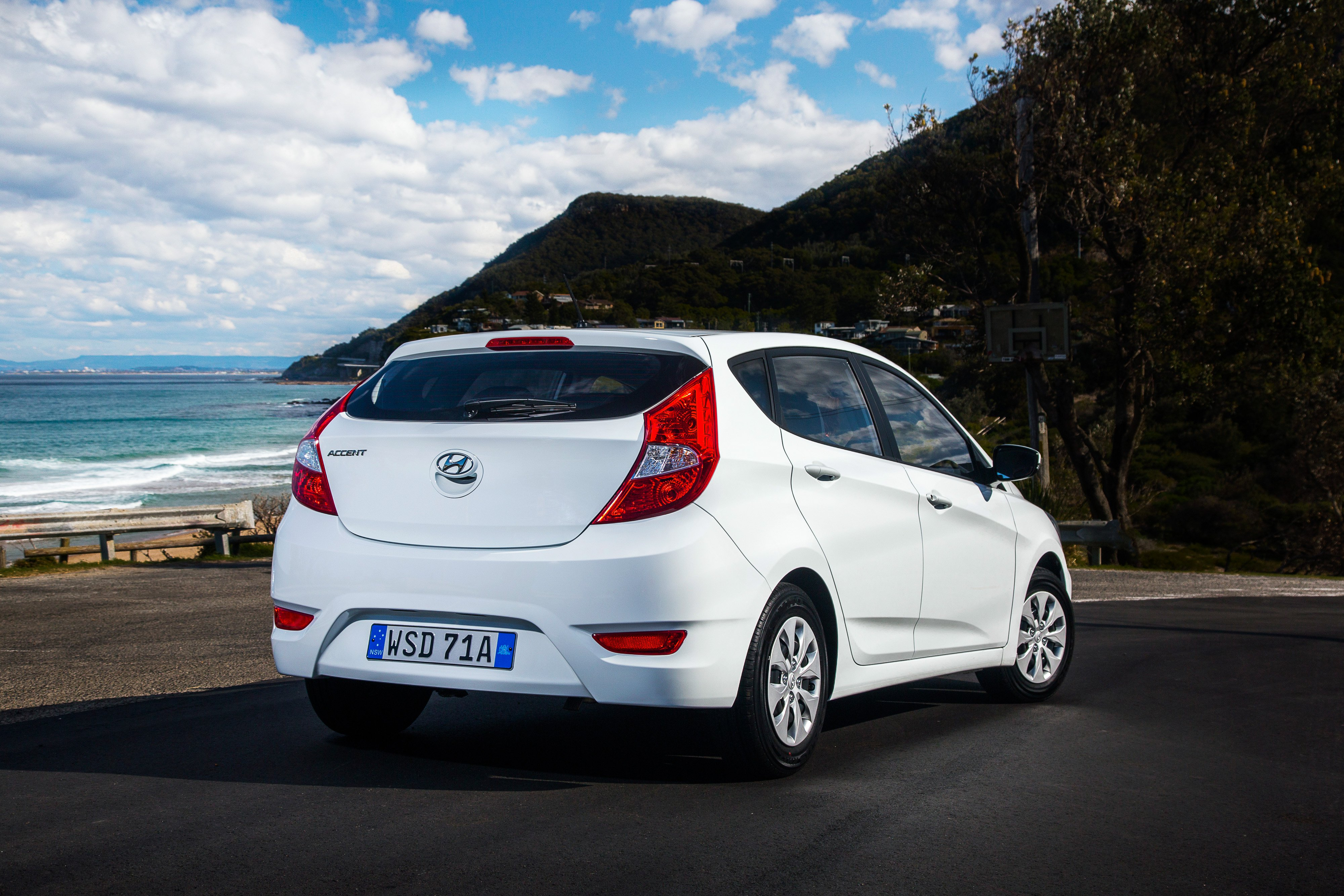 2015 Hyundai Accent Pricing And Specifications Caradvice