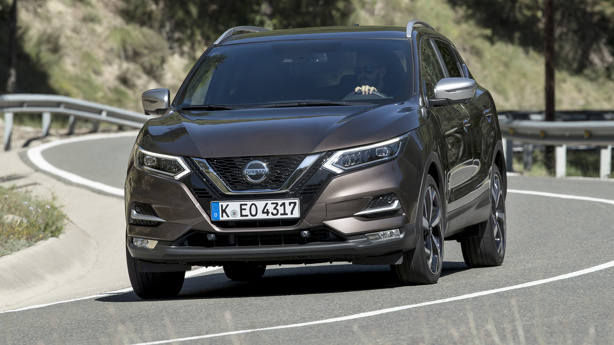 2019 Nissan Qashqai gets Apple CarPlay, Android Auto in