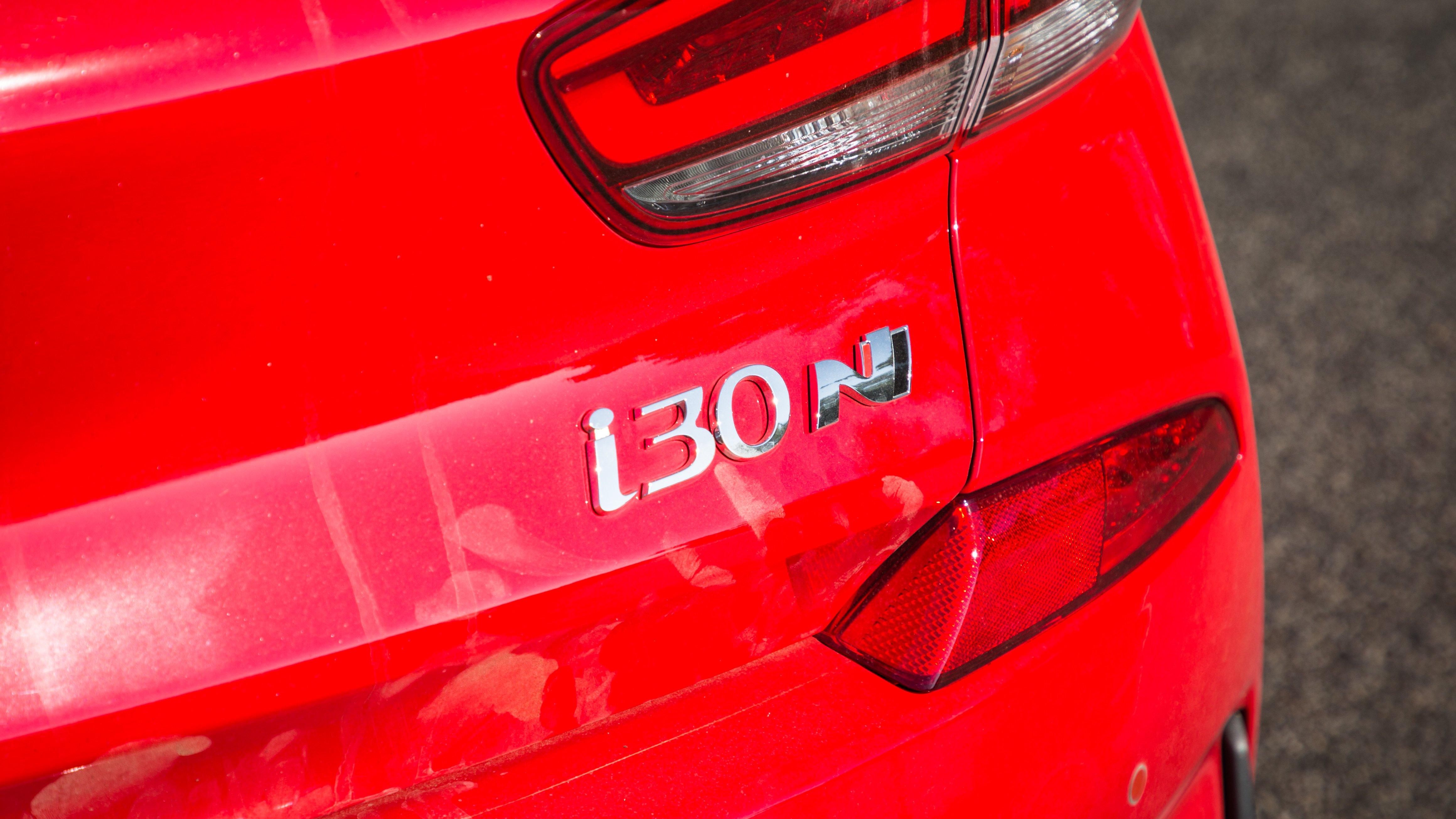 Best hot hatch 2018 ford focus rs v honda civic type r v