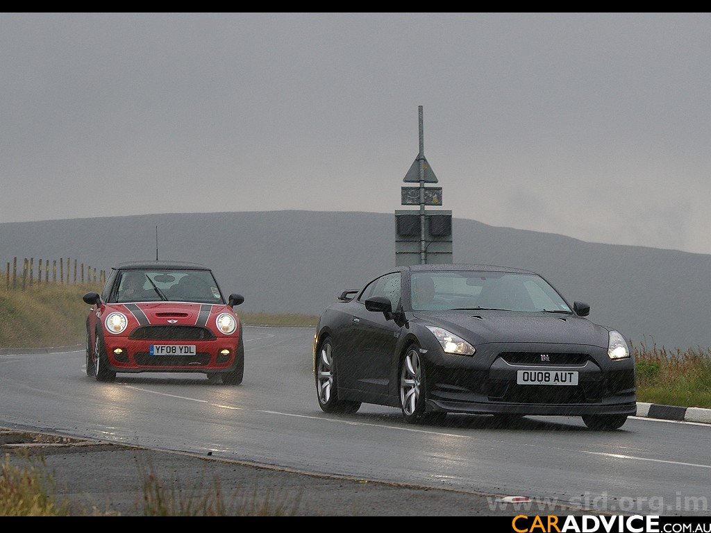 Top Gear Shows Off At The Isle Of Man Caradvice