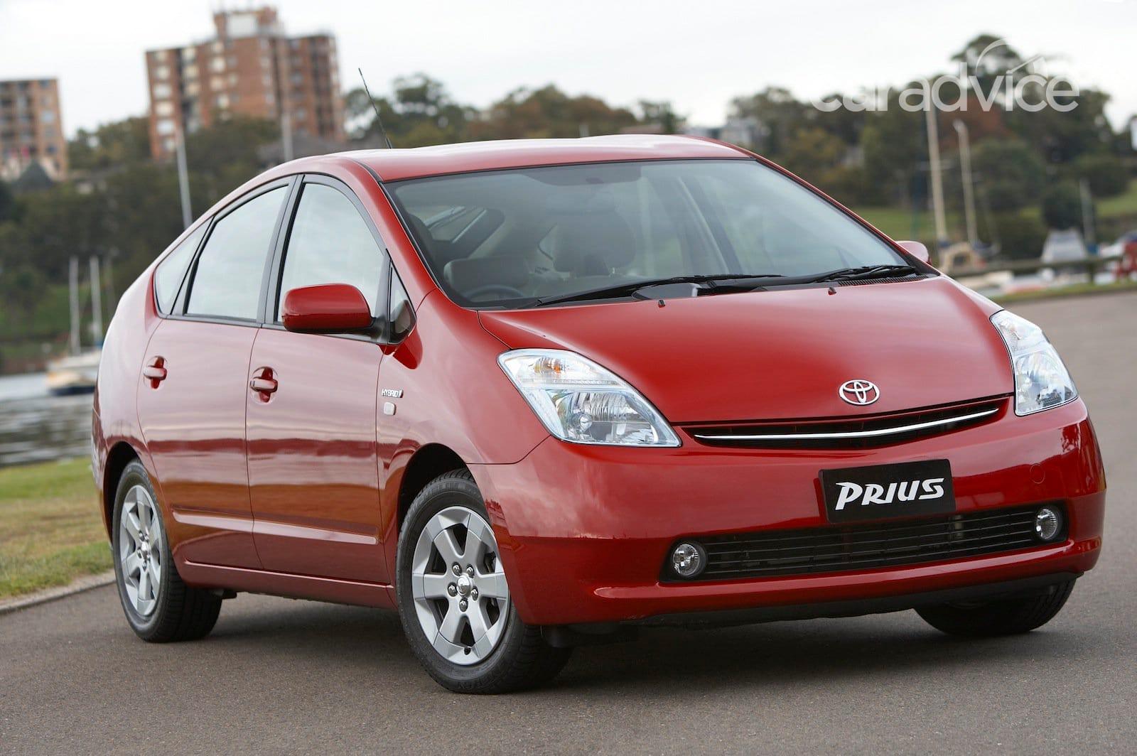 Toyota Recalls 2 76m Cars 12 710 Prius Hybrids In