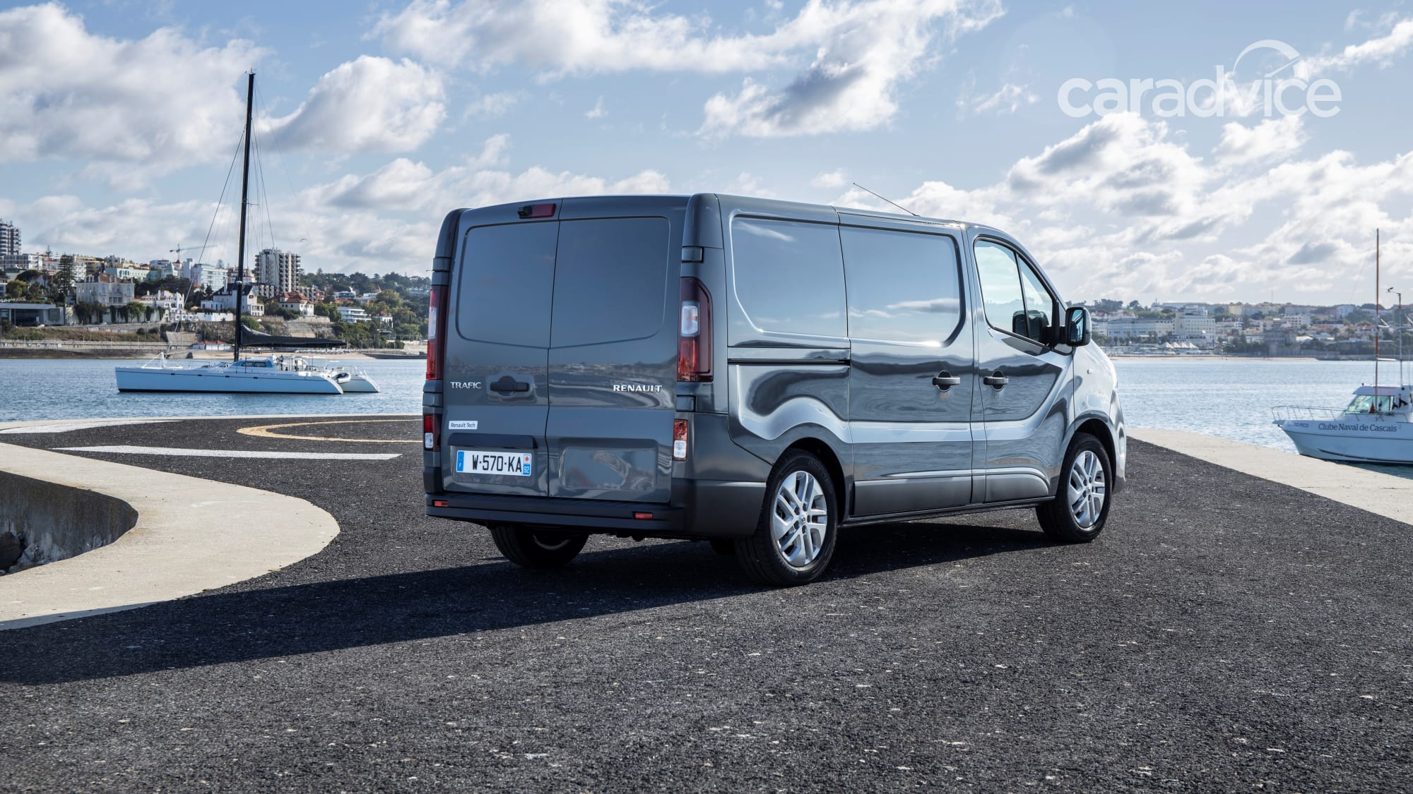 2020 Renault Trafic automatic now on sale | CarAdvice