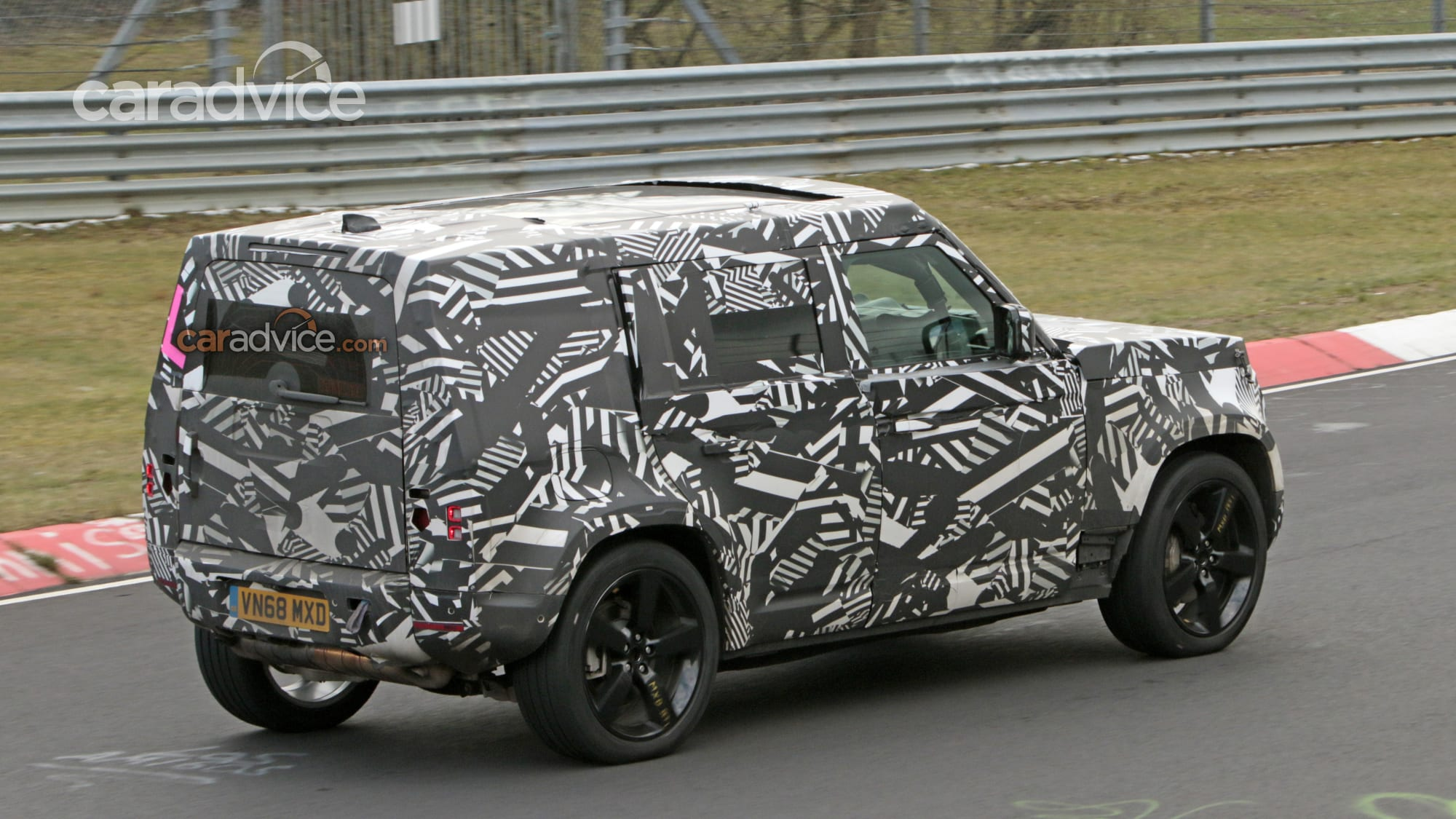 2020 Land Rover Defender spied | CarAdvice