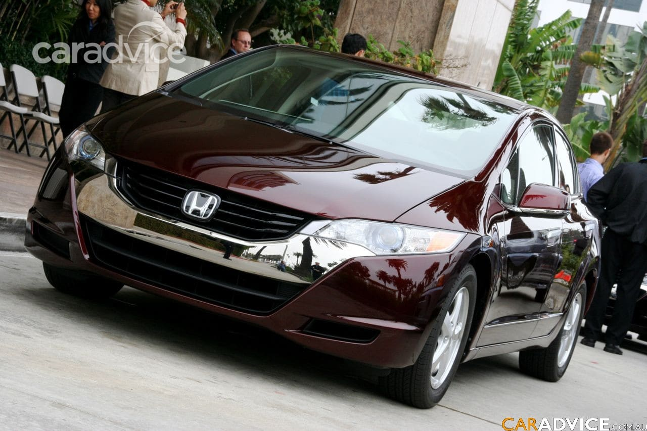 Land Rover Santa Monica >> Honda FCX Clarity - A fuel cell car you can drive to work ...