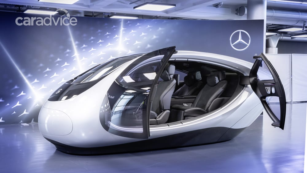 Mercedes-Benz unveils augmented reality heads-up display ...