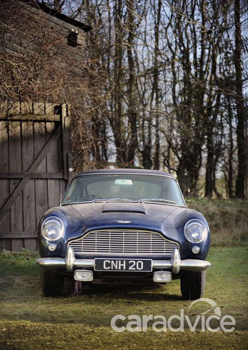 Aston Martin Db5  Barn