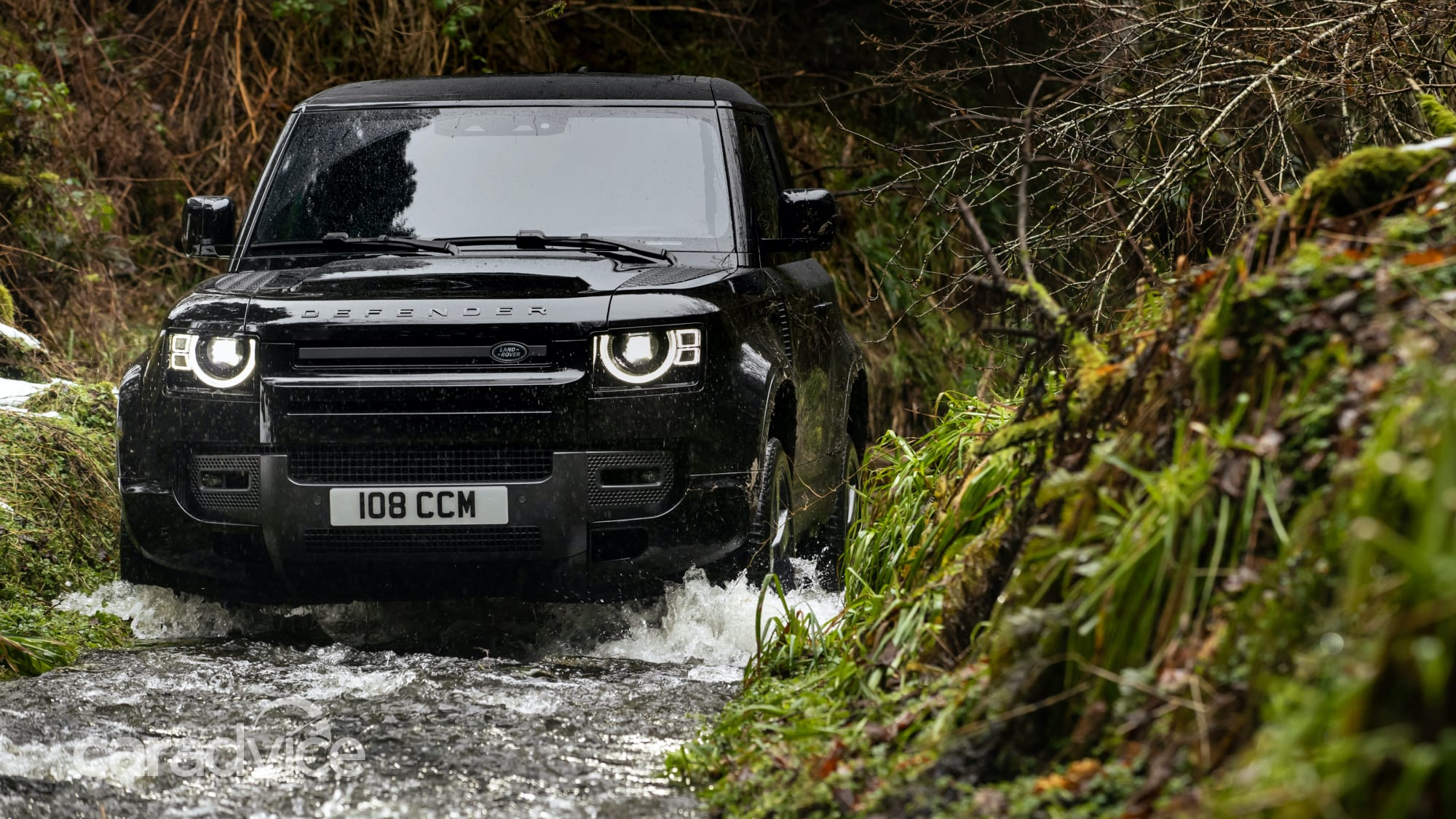 2022 Land Rover Defender supercharged V8 is go! Due in ...