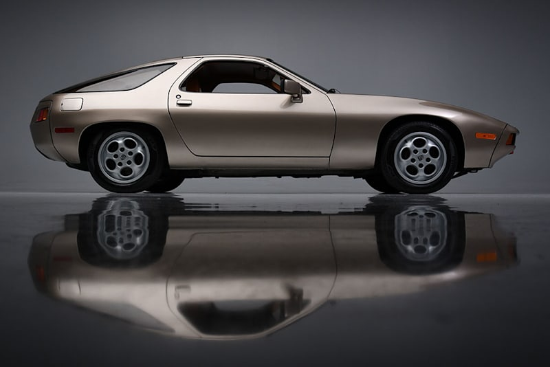 Porsche 928 from 'Risky Business' up for auction